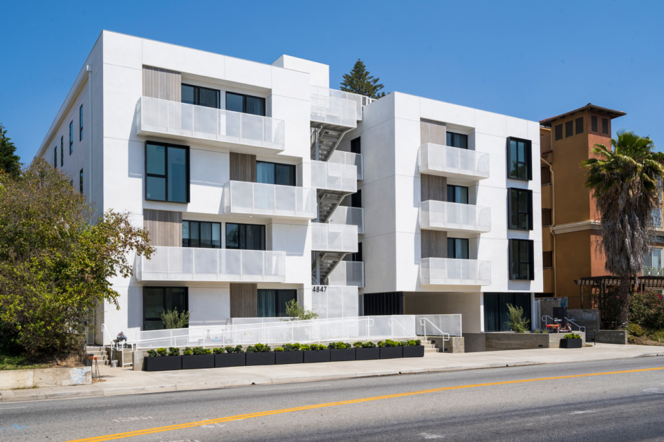 multifamily apartment building four stories