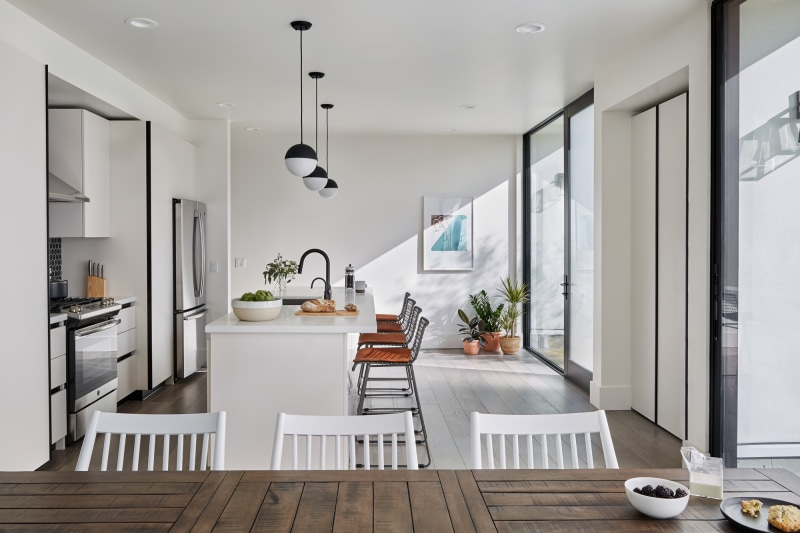 common melrose coliving los angeles kitchen